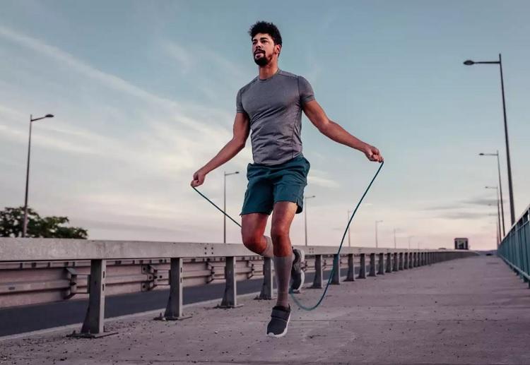 ćwiczenia na skakance treningowej